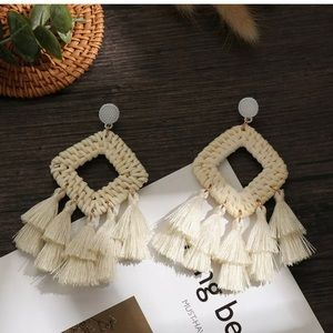 BOGO FREE Raffia tassel statement earrings ✌🏼